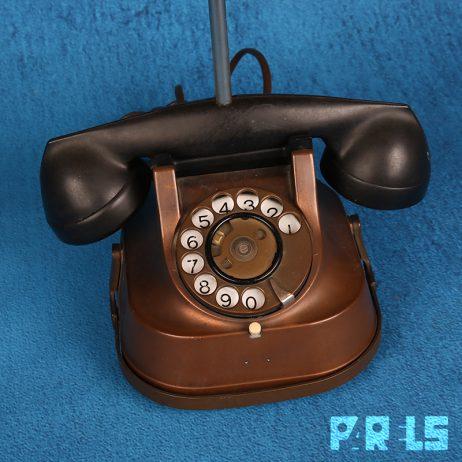 vintage tafellamp koperen telefoon lampenkap franjes omgebouwd upcycling draaischijf toestel bureaulamp nostalgisch