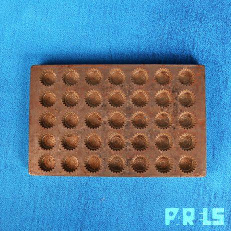 vintage metalen chocolademal vorm marsepein chocolade vormenfabriek Tilburg