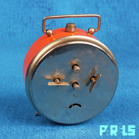 vintage wekker Kienzle alarm klok opdraaiwekker tijd