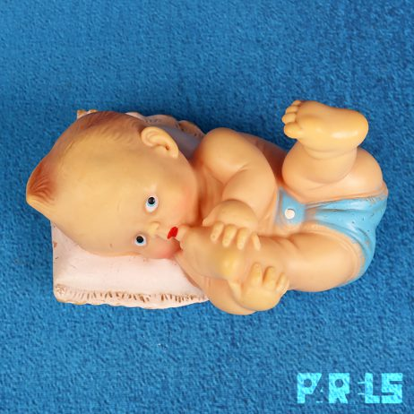vintage piepfiguur baby made in italy rubber plastic