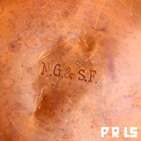 antieke koperen fles kruik Koninklijke Nederlandse Gist Spiritus Fabriek NG & SF